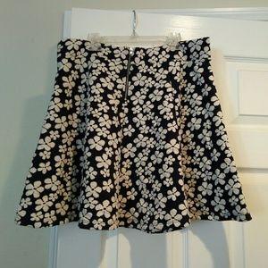 H&M NWT poly blend skirt